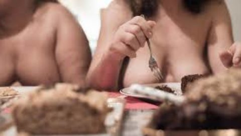 Naked dining is the next hottest trend to hit the country (via uk.style.yahoo.com)